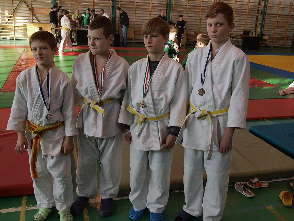 Štyri medaily